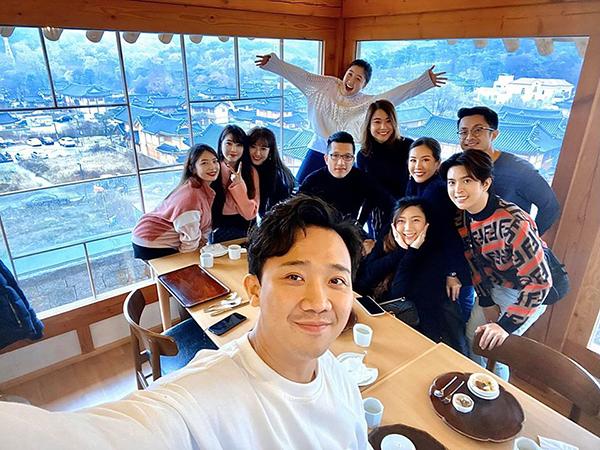 Trấn Thành hội ngộ gia đình Hari Won khi sang Hàn Quốc.