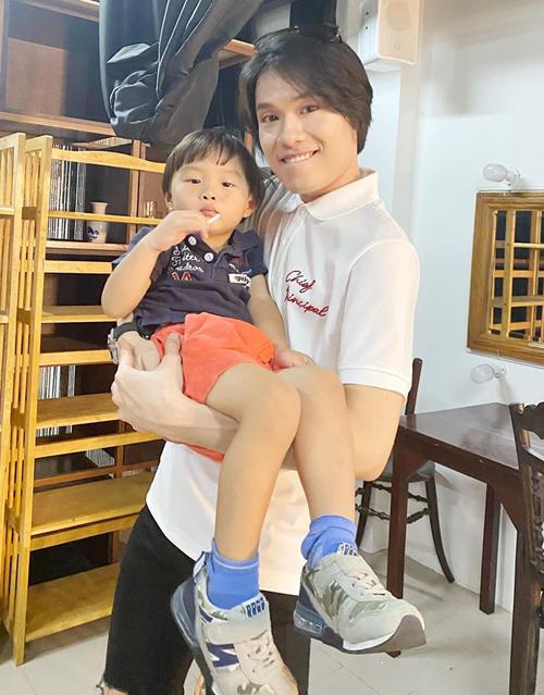 Quang Trung được nhận xét chẳng khác gì anh trai của bé Sa - nhóc tì đang gây sốt trên mạng xã hội.