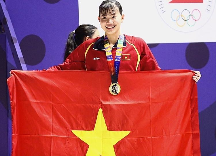 Ánh Viên tự hào khi giành được HCV cho bơi lội Việt Nam. Ảnh: Đương Phạm