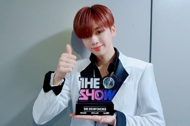 Kang Danielbị nghi gian lận sau khi nhận cúp âm nhạc trên The Show ngày 3/12.