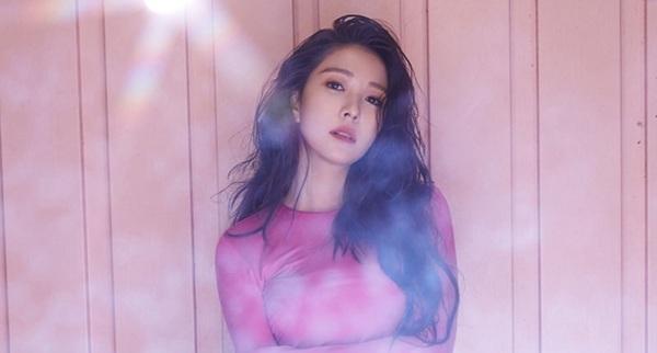 Không thường xuyên phát hành sản phẩm âm nhạc mới nên nhiều người hâm mộ Kpop hiện nay không còn biết tới BoA. Nhưng cô là nữ ca sĩ Hàn Quốc đầu tiên đánh vào thị trường âm nhạc béo bở của các nhóm nhạc Kpop sau này - Nhật Bản.