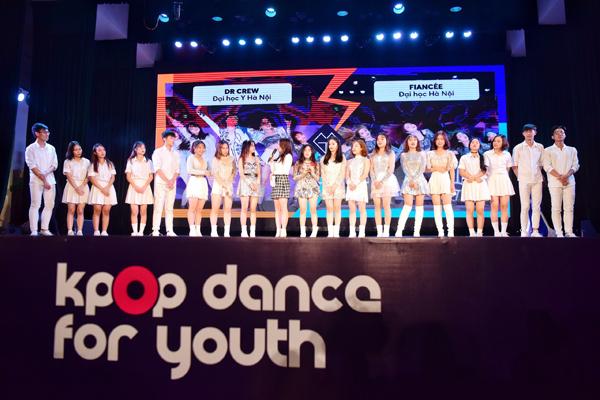 Dr Crew (ĐH Y Hà Nội) giao lưu với khán giả tại vòng Đối đầu Kpop Dance For Youth.