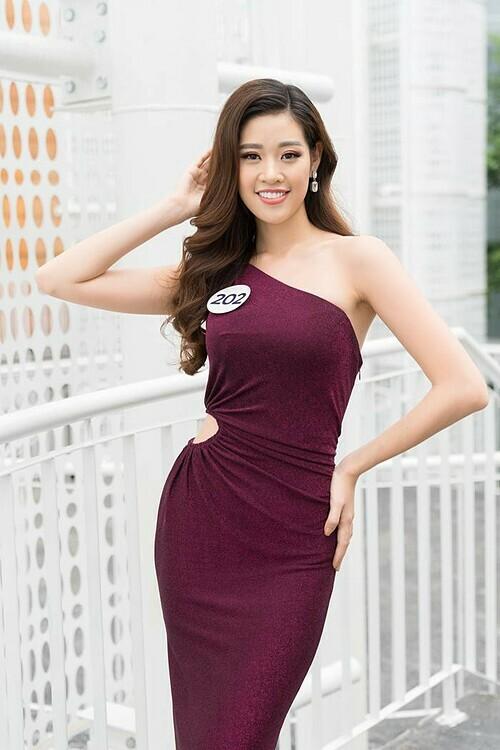 Trước khi lên ngôi ở cuộc thi năm nay, Khánh Vân từng top 10 Hoa hậu Hoàn vũ Việt Nam 2015, giải Bạc Siêu mẫu 2018.