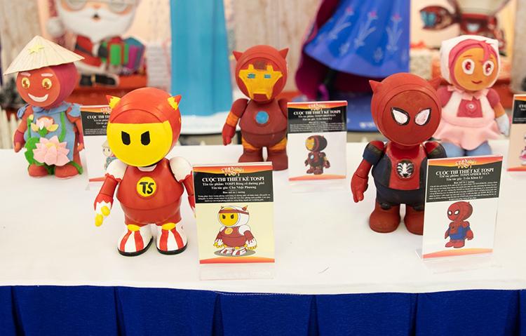 Tại sự kiện còn trưng bày những tácphẩm của cuộc thi sáng tạo linh vật cho lễ hội.
