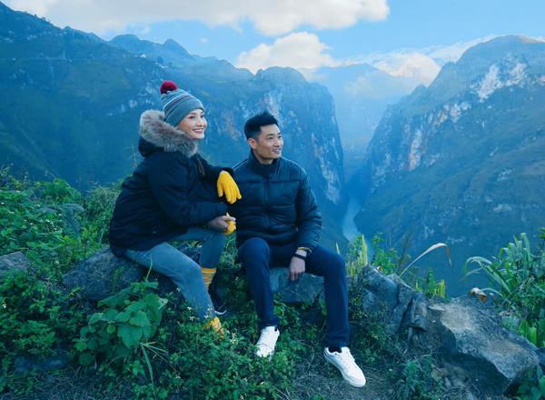 Bảo Thanh và ông xã check-in ở đèo Mã Pí Lèng, Hà Giang.