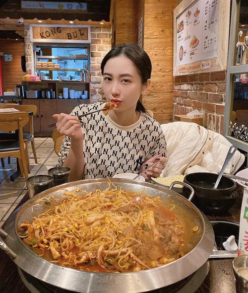 Jun Vũ tiết lộ sức ăn rất khỏe dù người gầy tong.