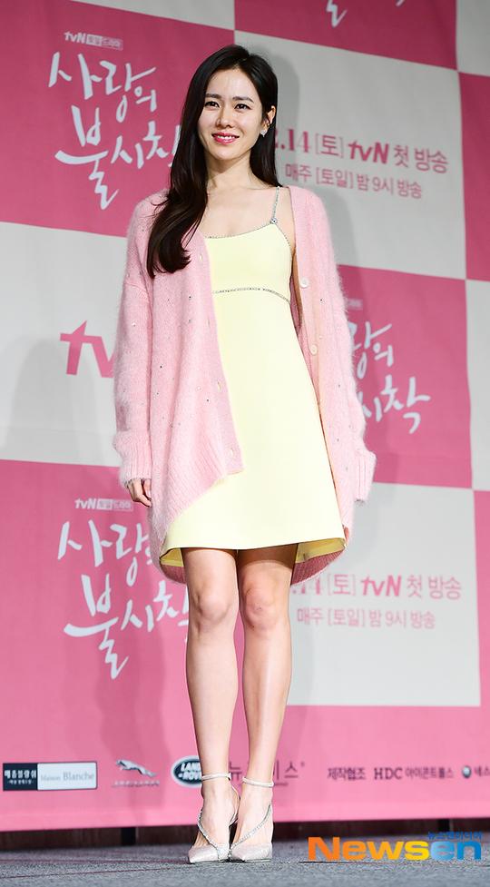 Son Ye Jin cũng thổ lộ niềm vui khi tham gia bộ phim này. Khi đọc kịch bản, tôi nghĩ Hyun Bin rất phù hợp với vai nam chính. Chúng tôi hợp tác rất suôn sẻ trong các cảnh quay.