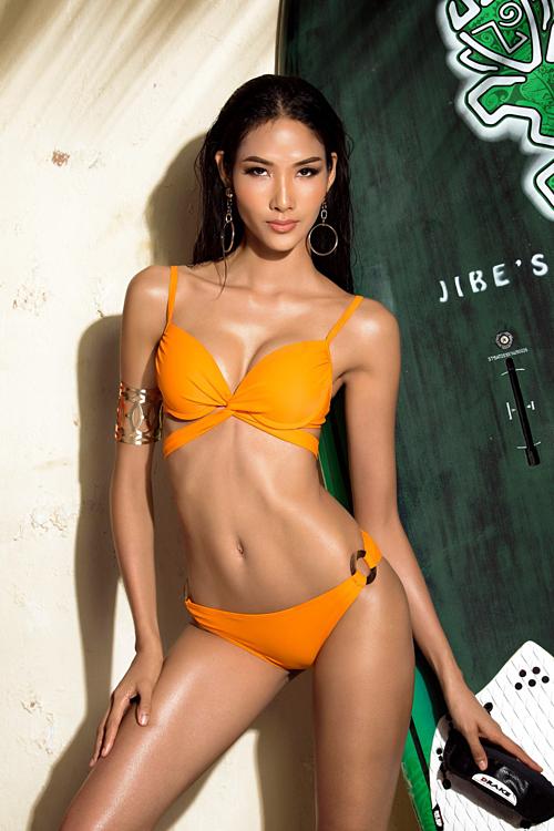Hoàng Thùy là một trong những thí sinh sở hữu hình thể nóng bỏng nhất khi dự thi Miss Universe Vietnam 2017.