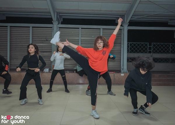 Chung kết cuộc thi Kpop Dance For Youth sẽ diễn ra vào 19h30 ngày 14/12, tại Hội trường A2, toà nhà A2, Đại học Kinh tế Quốc dân.
