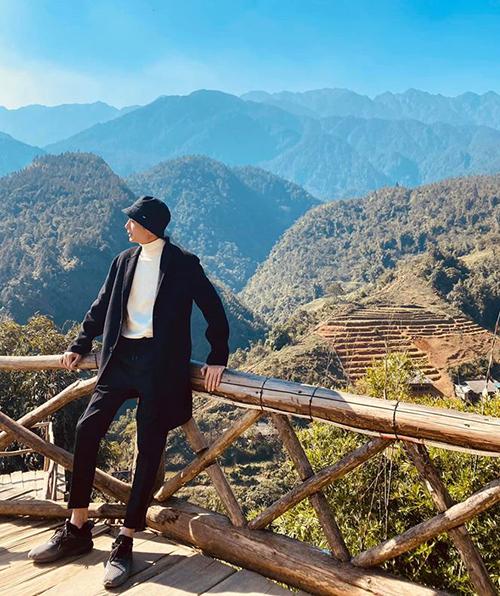 Huỳnh Phương chụp ảnh rất ngầu ở Sa Pa.