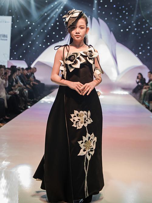 Đây là mùa đầu tiên sự kiện thời trang và làm đẹp quốc tế này được tổ chức với chủ đề Cảm hứng thời trang và nét đẹp thời đại.