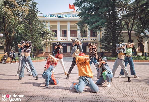 Nhóm tự chuẩn bị video ngắn giới thiệu trước thềm đêm chung kết Kpop Dance For Youth.