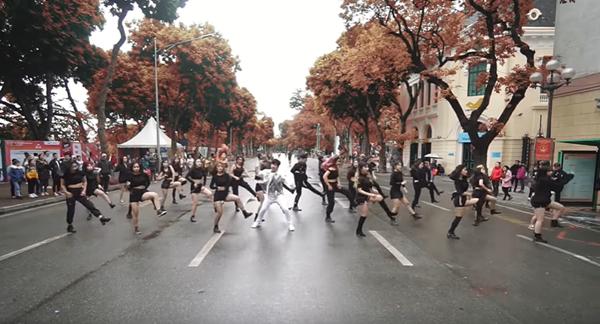 Ảnh cắt tư clip dự thi vòng Online của BAAT tại Kpop Dance For Youth 2019.
