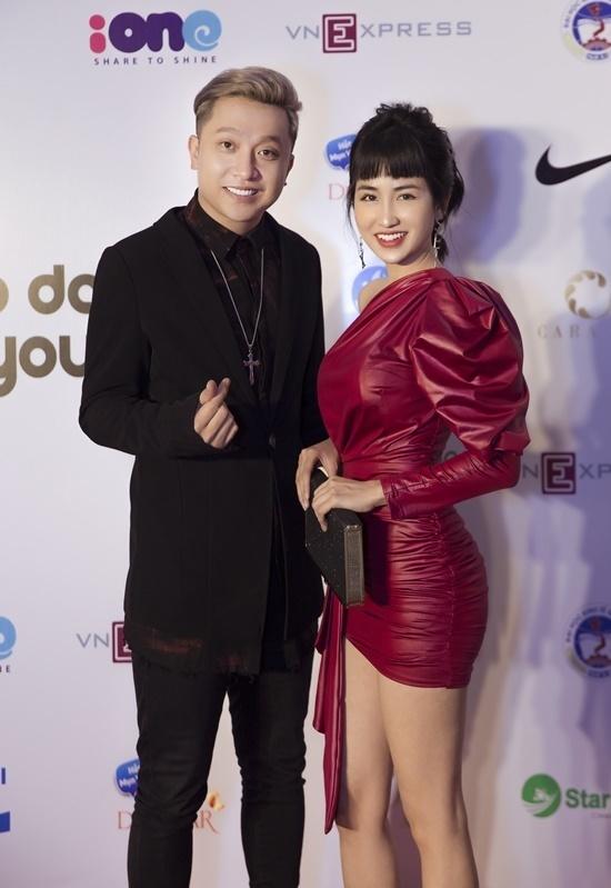 Trang Moon vui vẻ khi hội ngộ cùng Yanbi.