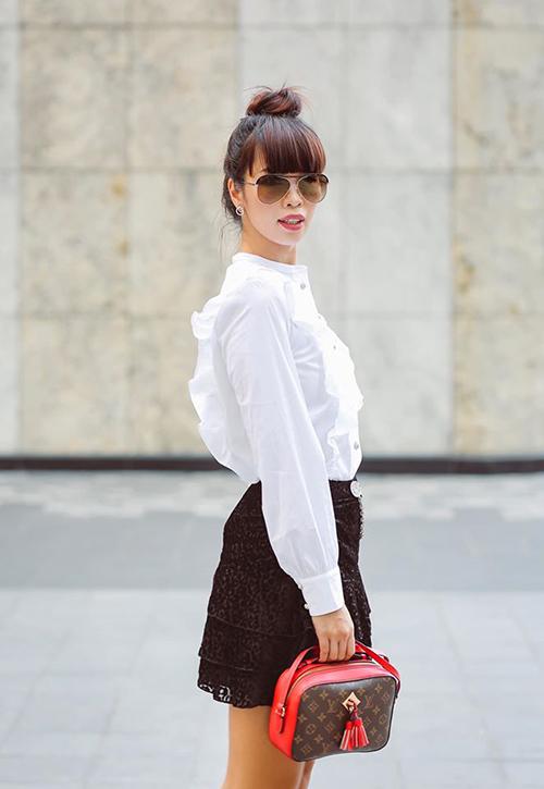 Siêu mẫu Hà Anh