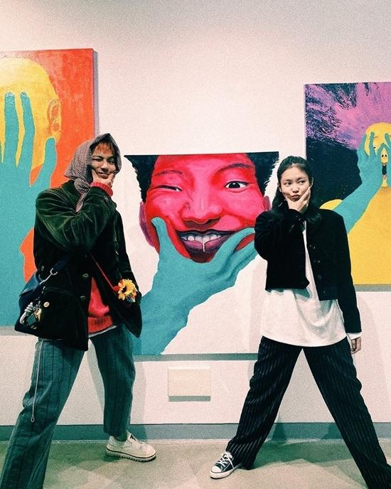 Cặp đôi cool ngầu Jennie - Mino bất ngờ được fan đẩy thuyền
