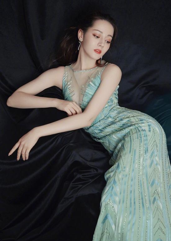 Người đẹp Tân Cương vốn nổi tiếng là một trong các sao nữ có thân hình đẹp nhất   Cbiz.