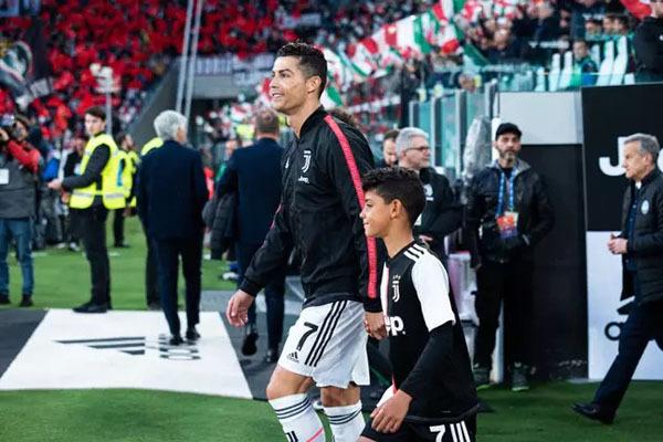 Biệt thự mới triệu đô siêu khủng của Ronaldo - 7