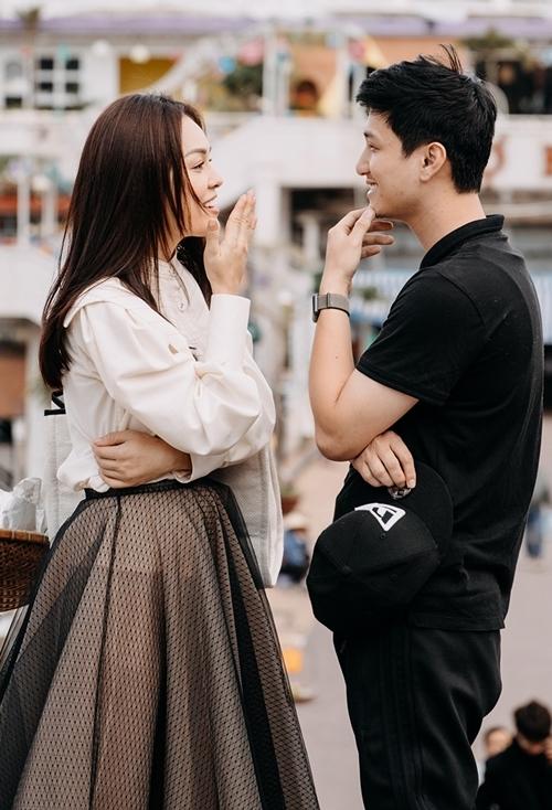 Dương Cẩm Lynh đáp trả bình luận không xứng đôi Huỳnh Anh trên phim - 4