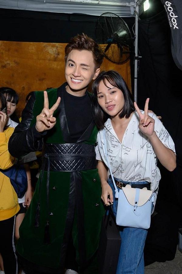Người hâm mộ vỡ oà trong cảm xúc vì được kết bạn cả ngoài đời và trên mạng xã hội Gapo với Ngô Kiến Huy.