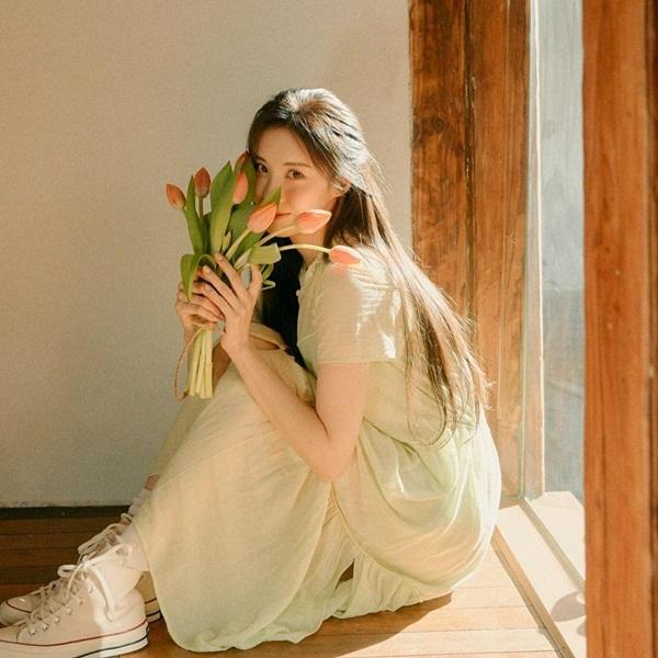 Seo Hyun như nàng thơ trong trẻo.