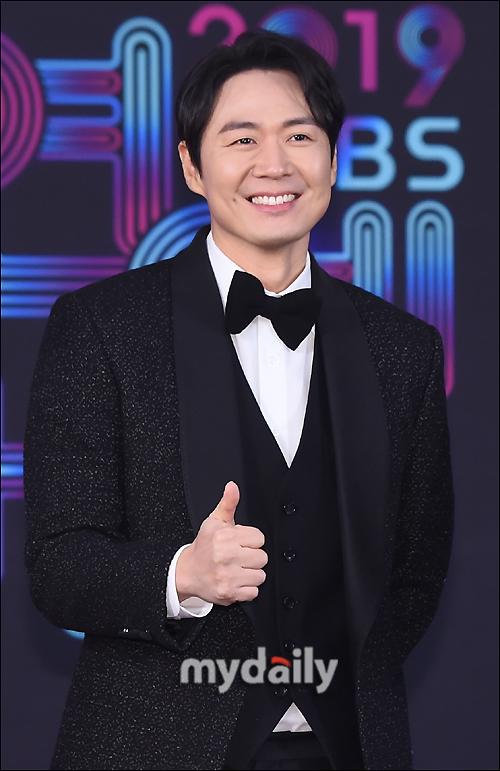 Nam diễn viên Yeon Jung Hoon.