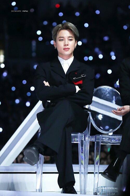 Ji Min là sao nam Kpop nổi tiếng nhất Kpop 2019.