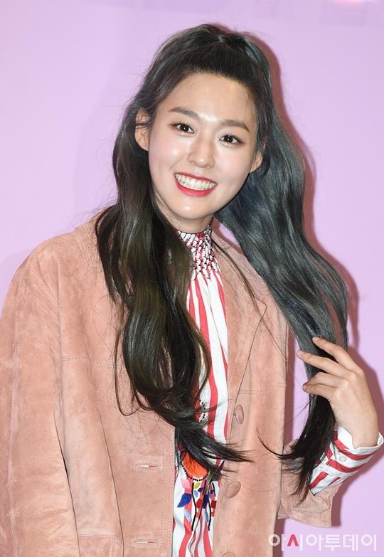 Gần đây, Seol Hyun liên tục gây chú ý sau khi tham gia show Queendom và quảng bá ca khúc comeback Come See Me cùng AOA. Trong BXH thương hiệu cá nhân của thành viên nhóm nữ tháng 12, Seol Hyun xếp vị trí thứ 3, thăng hạng ngoạn mục.