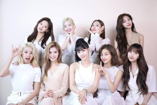 Fan Twice mất điểm trong mắt người hâm mộ Kpop khi có thái độ tiêu cực với Black Pink, BTS, Red Velvet...