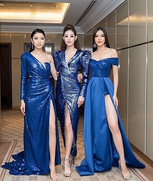 Trang phục do NTK Trần Đạt làm riêng cho top 3 đều chọn tông xanh dương hot trend làm gam màu chủ đạo.