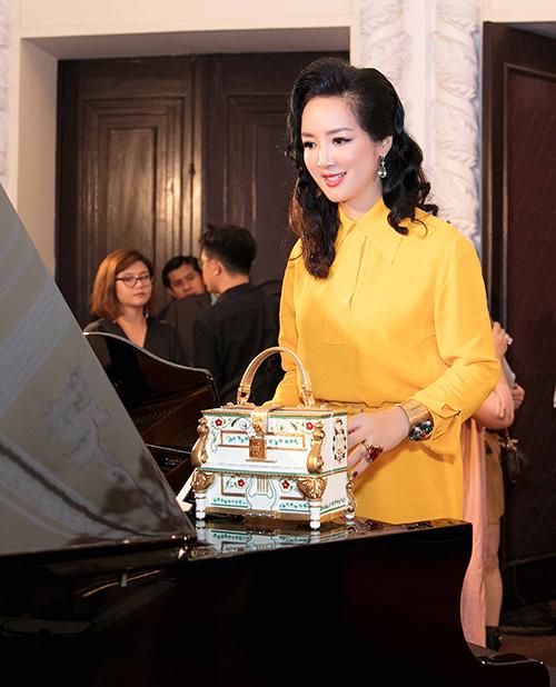 Hoa hậu Giáng My cùng các vị khách mời đặc biệt đã thưởng thức những trích đoạn từ các vở opera huyền thoại