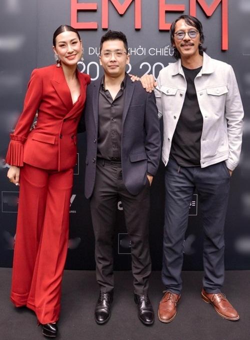Nhà sản xuất Will Vũ (giữa) cùng đạo diễn Kathy Uyên và NSX Timothy Linh Bùi.