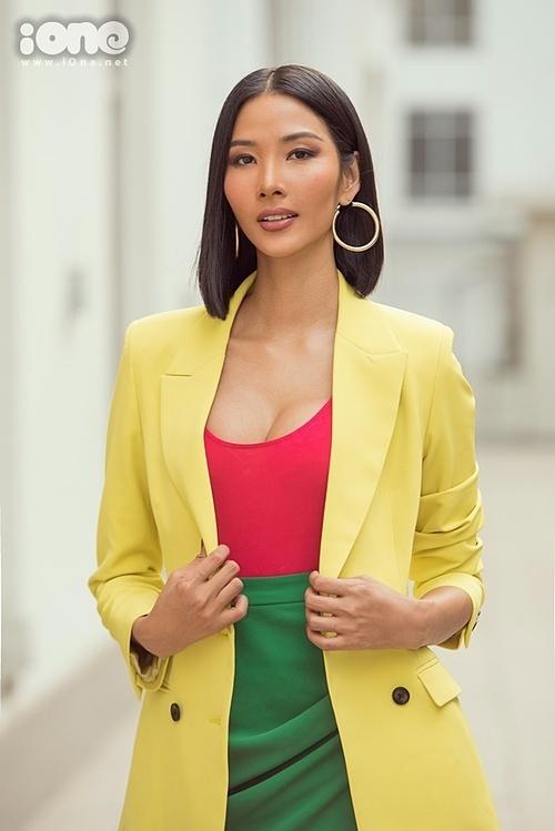 Nữ người mẫu xứ Thanh tiết lộ, trước và sau cuộc thi, cô giảm từ 58 kg xuống 56 kg. Việc giảm 2 kg bắt nguồn từ lịch trình dày đặc của cuộc thi.