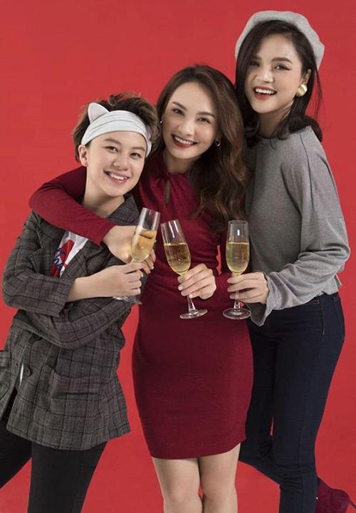 Bộ ba chị em của Về nhà đi con Bảo Hân - Bảo Thanh và Thu Quỳnh đã lâu mới hội ngộ trong một bộ ảnh.