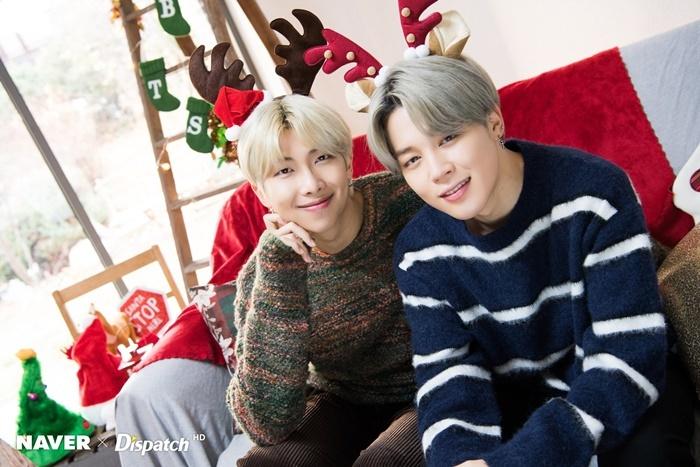 RM vàJi Min đeo bờm sừng hươu nhí nhố.