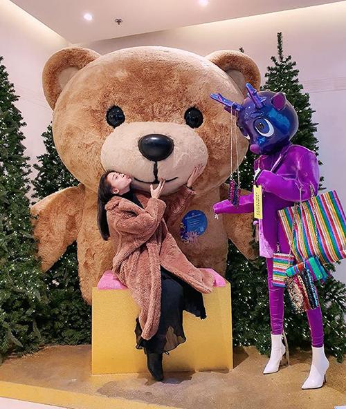 Ngô Thanh Vân khoe Giáng sinh năm nay đã có gấu.