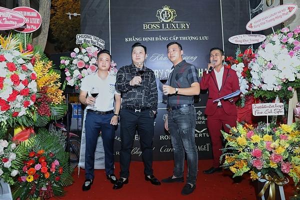Đại diện Boss Luxury trong ngày khai trương cơ sở Cao Bá Quát.
