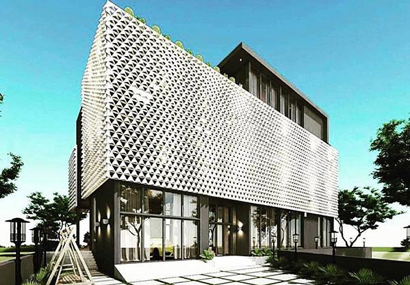 Đầu tháng 12, Ngọc Trinh xác nhận mới tậu căn biệt thự có diện tích 639 m2 ở quận 9, TP HCM có giá gần 2 triệu USD. Căn nhà được xây 4 tầng, theo phong cách hiện đại. Cô dự tính sẽ chuyển về sống tại đây vào năm 2020.
