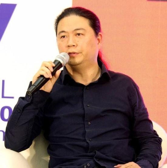Biên kịch Uông Hải Lâm.