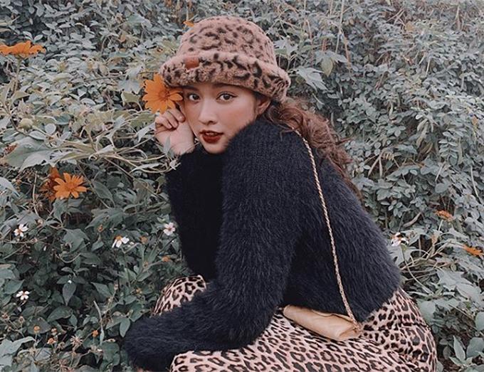 Áo len sợi xù được nhiều hot girl mặc đẹp kết hợp theo nhiều cách, không chỉ ngọt ngào, đáng yêu mà còn rất cá tính, thời thượng.