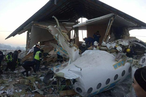 Hiện trường đống đổ nát sau vụ việc. Ảnh: Reuters.