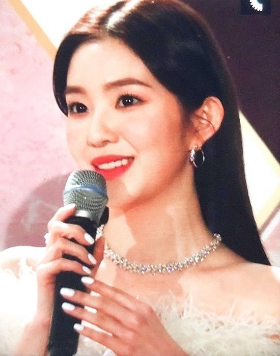 Người hâm mộ mừng thì thấy Irene vẫn ốn sau sự cố ở SBS Gayo Daejun.