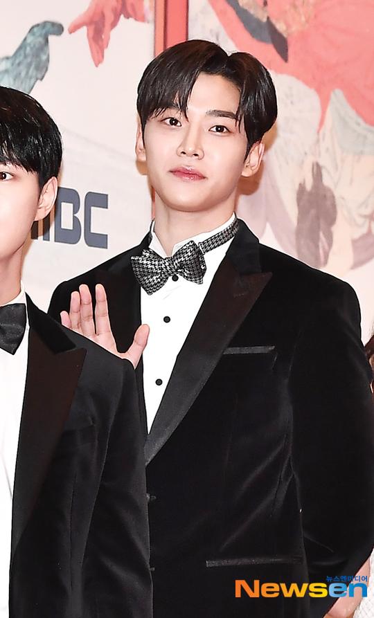Ro Woon (SF9) được đánh là là một trong những idol đóng phim thành công của 2019.