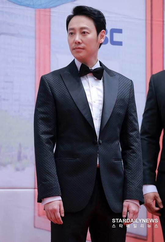Nam diễn viên Kim Dong Wook.