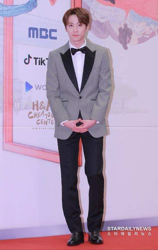 Mỹ nhân Hàn táo bạo khoe lưng trần trên thảm đỏ MBC Drama Awards - 6