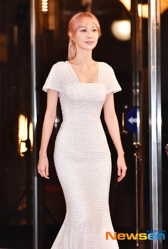 Lee Yoo Young, nữ chính trong bộ phim My fellow citizens (đóng cùng Si Won).