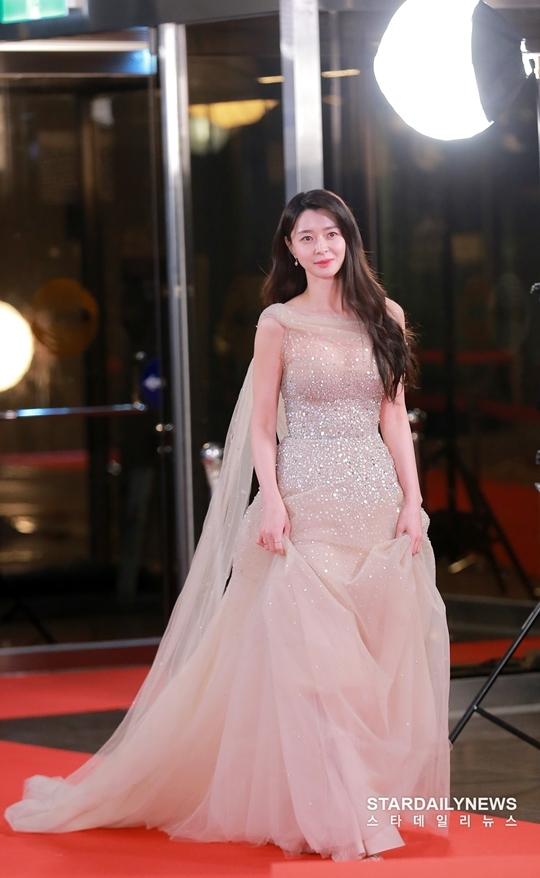 Kwon Nara (Hello Venus) cũng là một mỹ nhân tỏa sáng trên thảm đỏ KBS Drama Awards 2019.