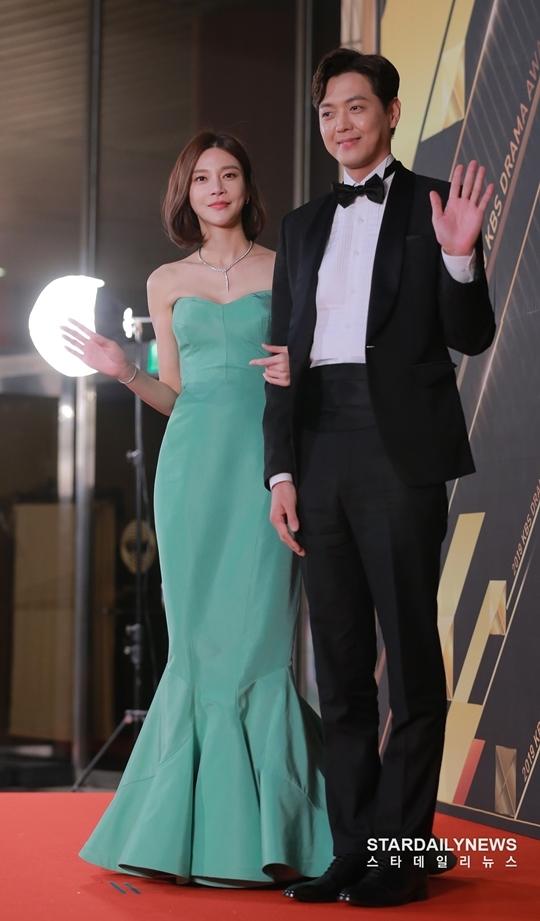 Cha Ye Ryeon và Kim Heung Soo là hai diễn viên chính trong Gracious Revenge.