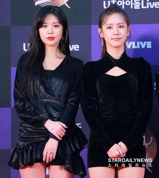 Soo Jin (trái) và Mi Yeon có hai phong cách trái ngược. Người sexy, người lại mang nét đẹp trong sáng, nhẹ nhàng.