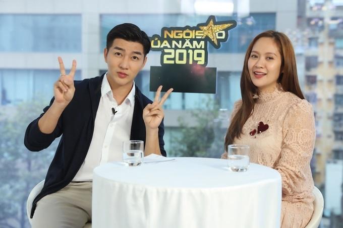 Thanh Thúy và MC Nam Hee trong talkshow Câu chuyện truyền cảm hứng.